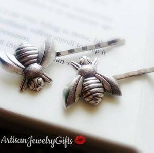 Silver Bee Bobby Pins Set